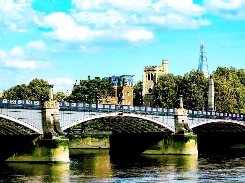 London FLW 2132.jpg