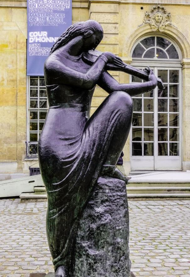 PARIS MESTROVIC.jpg